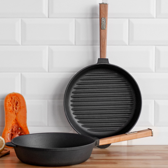 Сковородка Brizoll чугунная для гриля К 2640 РГ 26 см светлая ручка