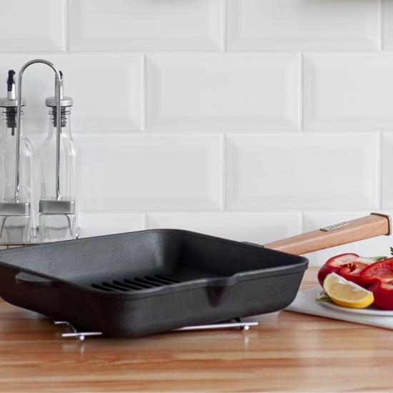 Сковородка Brizoll чугунная для гриля К282850 РГ 28 см светлая ручка квадратная